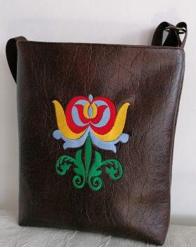 Barna tulipános bőrtáska