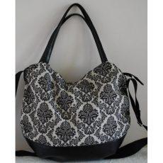 Fekete-fehér mintás táska